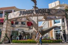 即将来临的影片侏罗纪世界的增进暴龙rex T雷克斯:下落的王国 库存图片