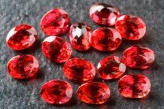 卵形红宝石 免版税库存照片