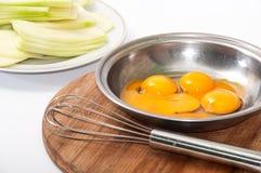 卵黄质和蛋白面团夏南瓜 库存照片