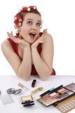卷发的人头发看起来惊奇的妇女的她 免版税库存照片