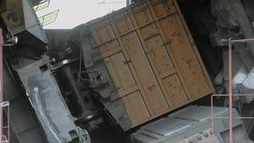 卸载煤炭的转台式汽车倾销者 影视素材