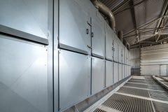卸载的麦子飞机棚 强有力的除尘系统 库存照片