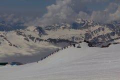 2014 07厄尔布鲁士山,俄罗斯:上升在山Elbrus 免版税库存图片