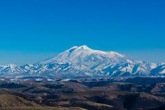厄尔布鲁士山-高山在欧洲 免版税库存图片