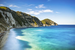 厄尔巴岛海岛,费拉约港Sansone白色海滩海岸托斯卡纳,它 免版税库存图片