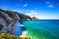 厄尔巴岛海岛,费拉约港Sansone白色海滩海岸托斯卡纳 库存照片