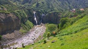 厄瓜多尔AGOYAN的瀑布 库存照片