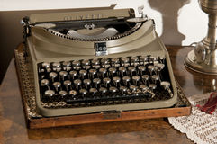 历史便携式的打字机 库存照片