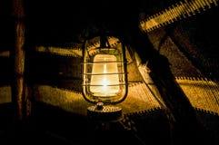 历史博物馆在迪拜 在帐篷的老灯笼 迪拜 图库摄影