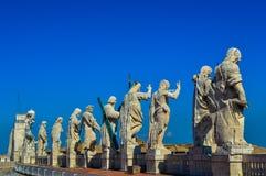 历史圣Peter's大教堂的惊人的看法,梵蒂冈,罗马,意大利 免版税库存照片