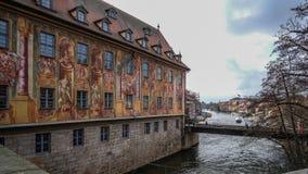 历史大厦` Altes Rathaus `在中部城市琥珀,德国 免版税图库摄影