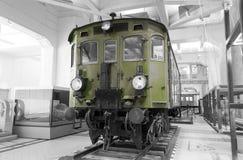 历史奥地利电力机车1060 -有选择性的颜色隔离 库存图片