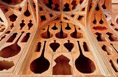 历史宫殿有被雕刻的墙壁的阿里Qapu的装饰在音乐家题材 免版税库存图片