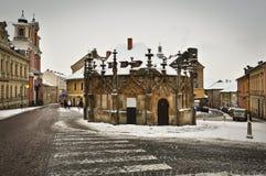 历史市街道Kutna Hora在冬天 免版税库存图片