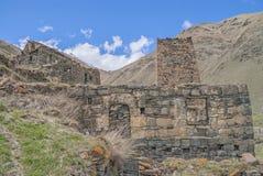 历史废墟、边界在乔治亚之间和俄罗斯 免版税库存图片