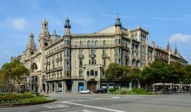 历史建筑在Gran的巴塞罗那通过de les Corts Cata 免版税库存照片
