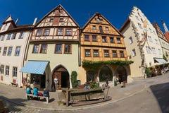历史木制框架大厦的外部在Rothenburg Ob Der陶伯,德国 免版税库存图片