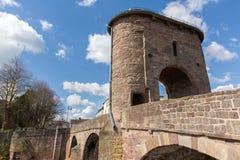历史的中世纪蒙茅斯桥梁威尔士英国旅游胜地Y形支架谷 库存图片