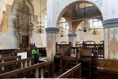 历史的伟大的犹太教堂大厦的内部 免版税库存照片