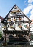 历史的半木料半灰泥的房子在乌尔姆 库存照片