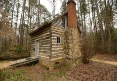 历史的原木小屋在北卡罗来纳 免版税库存图片