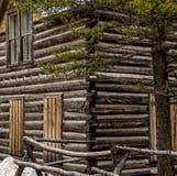 历史的原木小屋在科罗拉多 免版税库存照片