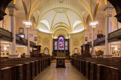 历史的圣三一座堂的内部在魁北克市 库存图片