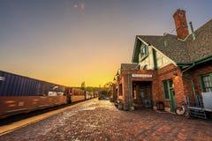历史的在日落的旗竿火车站 库存照片