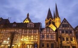 历史的城市在晚上gelnhausen德国 免版税库存照片