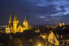历史的城市在晚上gelnhausen德国 免版税库存图片