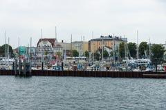 历史的处所罗斯托克- Warnemunde 从海运的视图 库存图片