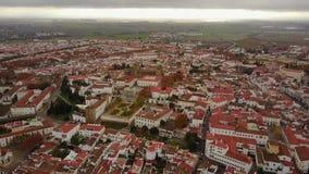 历史的市有白色房子和红色屋顶的,葡萄牙埃武拉 影视素材