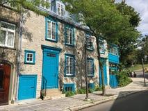 历史的房子行,魁北克市 库存图片