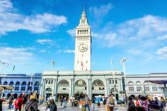 历史的旧金山轮渡码头和市场 免版税库存照片