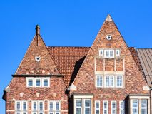 历史的有山墙的砖房子在老镇布里曼,德国 免版税库存图片