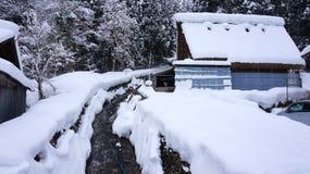 历史的村庄在冬天白川町去 免版税图库摄影