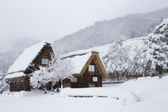 历史的村庄在冬天,日本白川町去 免版税库存图片