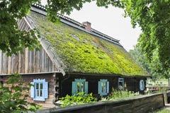 历史的村庄在博物馆在奥尔什蒂内克,波兰 库存照片