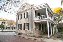 历史的查尔斯顿样式家 免版税库存照片