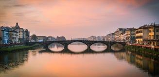 历史的桥梁在意大利 库存图片