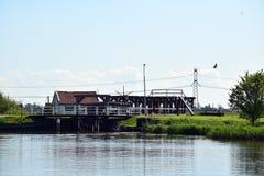 历史的水闸在Bleiswijk,荷兰 免版税库存照片