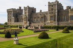 历史的温莎城堡的玫瑰园在英国 免版税图库摄影
