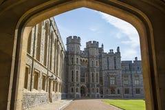 历史的温莎城堡轰烈的翼在英国 图库摄影