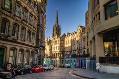 历史的皇家英里的街道视图,爱丁堡 免版税库存图片