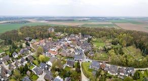 历史的老镇Liedberg的鸟瞰图NRW的,德国 免版税库存照片