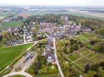 历史的老镇Liedberg的鸟瞰图NRW的,德国 库存图片