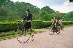 历史的自行车乘驾 免版税库存图片
