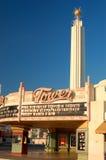 历史的艺术装饰塔剧院在弗雷斯诺,加利福尼亚 免版税库存照片