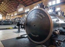历史的蒸汽泵站机器室  库存图片