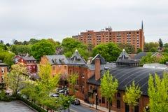 历史的街市兰卡斯特,有bloomin的宾夕法尼亚天线  库存图片